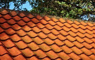 asbest onder dakpannen