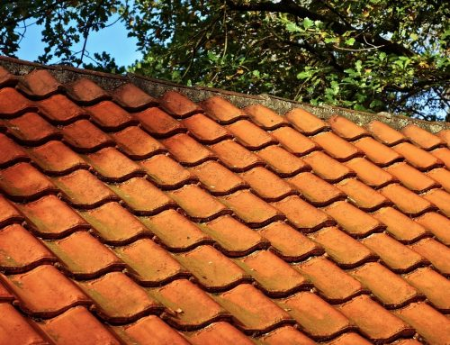 Asbest onder dakpannen, wat nu?
